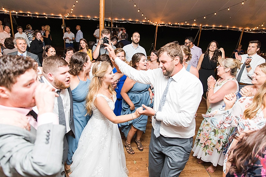 senecaryanco-pennsylvania-wedding-photographer-scranton-barnatglisteningpond_0617.jpg