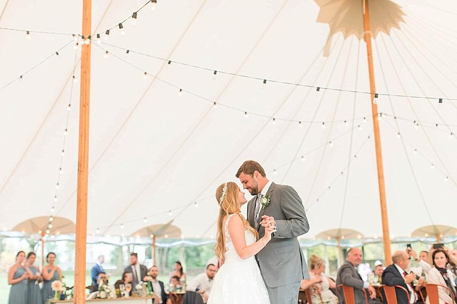 senecaryanco-pennsylvania-wedding-photographer-scranton-barnatglisteningpond_0622.jpg