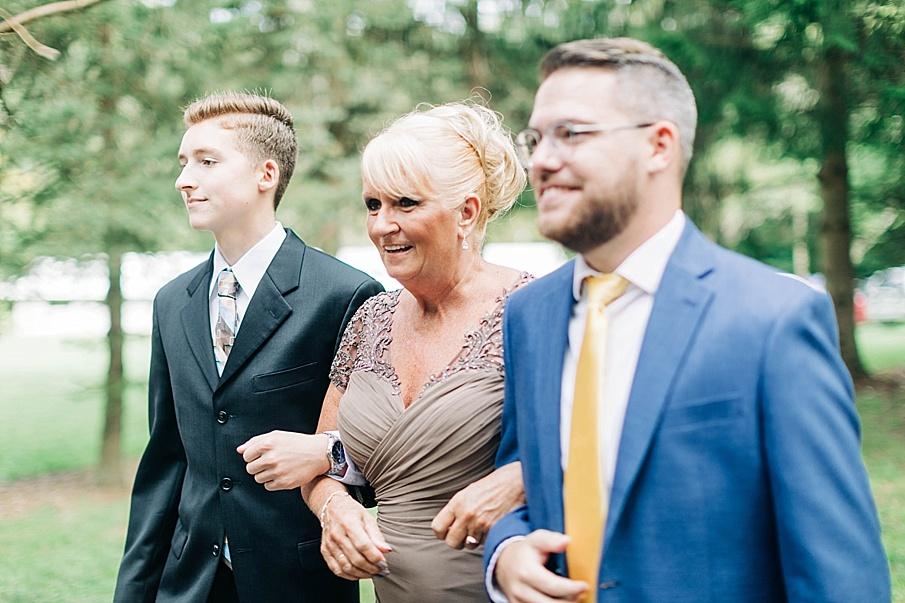 senecaryanco-pennsylvania-wedding-photographer-scranton-barnatglisteningpond_0724.jpg