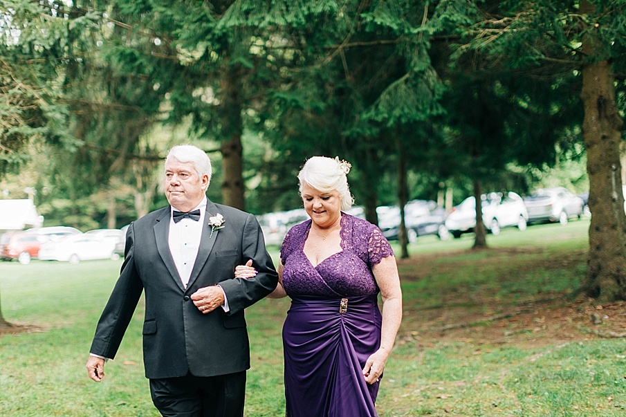 senecaryanco-pennsylvania-wedding-photographer-scranton-barnatglisteningpond_0726.jpg