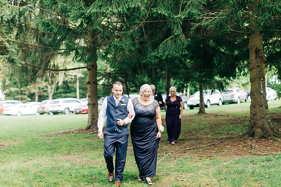 senecaryanco-pennsylvania-wedding-photographer-scranton-barnatglisteningpond_0725.jpg