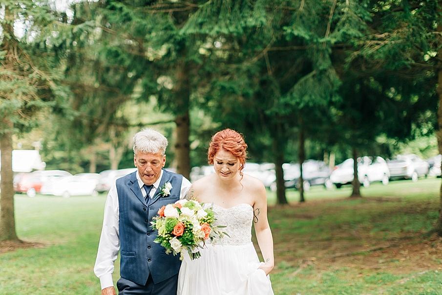 senecaryanco-pennsylvania-wedding-photographer-scranton-barnatglisteningpond_0727.jpg