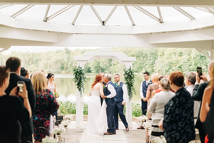 senecaryanco-pennsylvania-wedding-photographer-scranton-barnatglisteningpond_0729.jpg