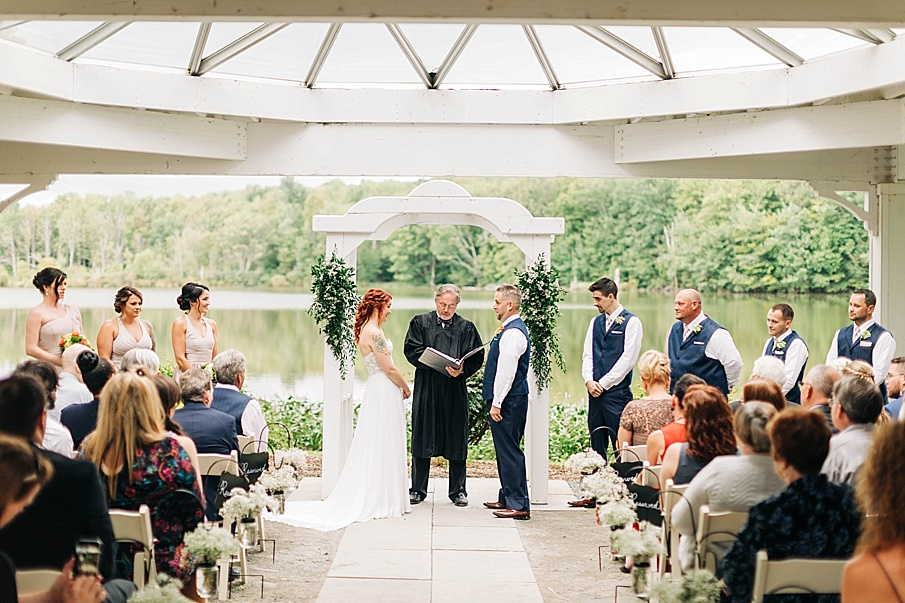 senecaryanco-pennsylvania-wedding-photographer-scranton-barnatglisteningpond_0731.jpg