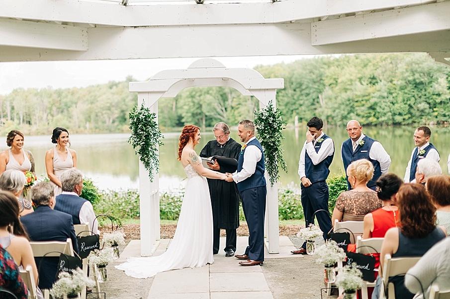 senecaryanco-pennsylvania-wedding-photographer-scranton-barnatglisteningpond_0734.jpg