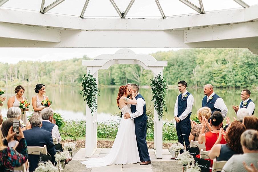 senecaryanco-pennsylvania-wedding-photographer-scranton-barnatglisteningpond_0736.jpg