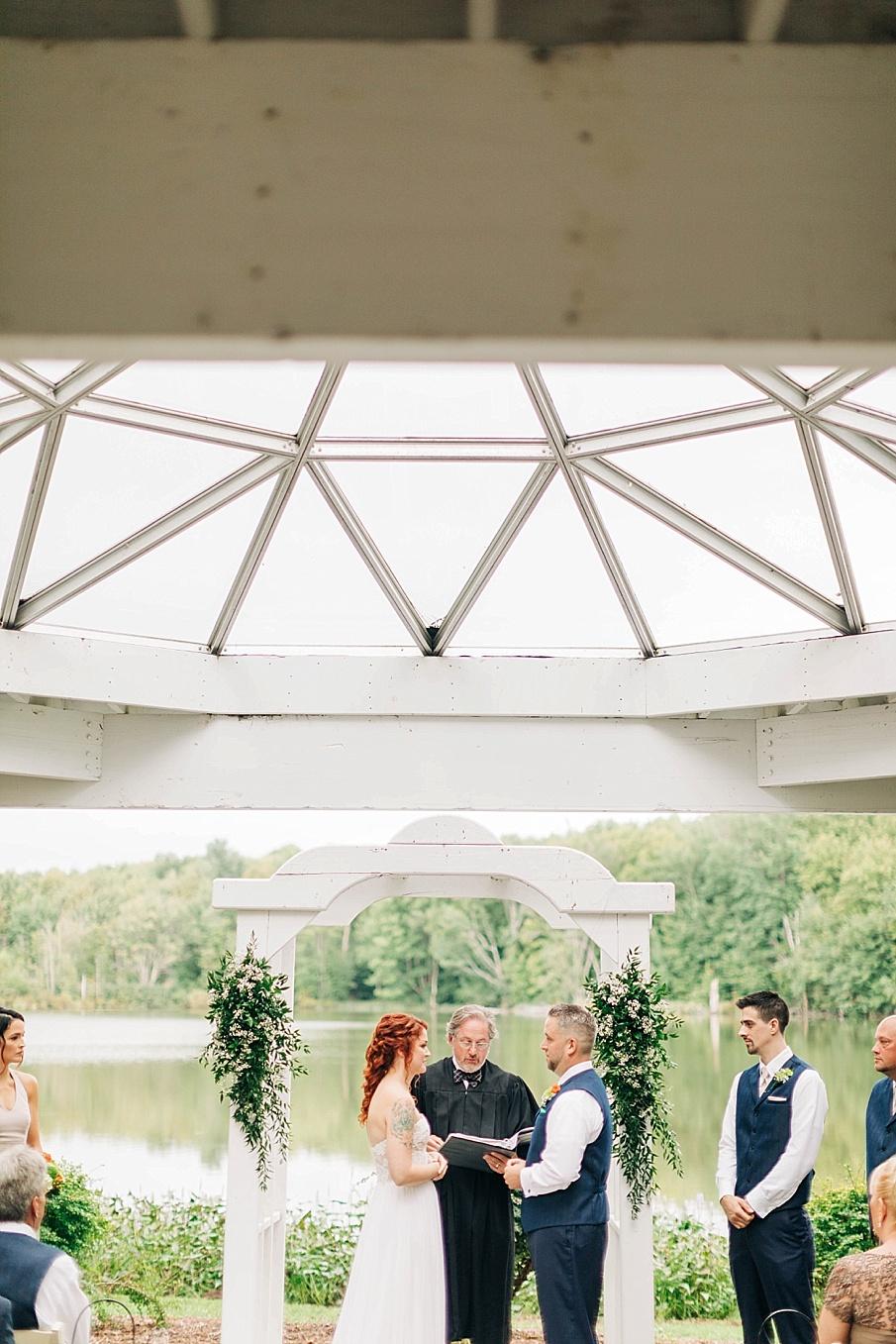 senecaryanco-pennsylvania-wedding-photographer-scranton-barnatglisteningpond_0735.jpg