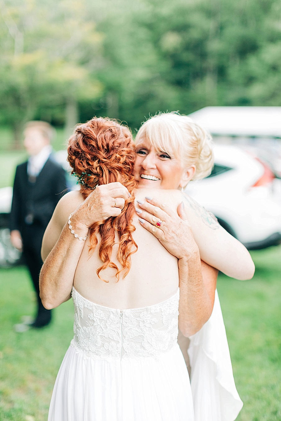 senecaryanco-pennsylvania-wedding-photographer-scranton-barnatglisteningpond_0740.jpg