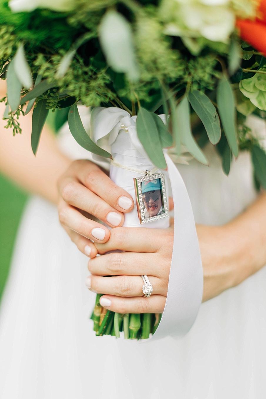 senecaryanco-pennsylvania-wedding-photographer-scranton-barnatglisteningpond_0741.jpg