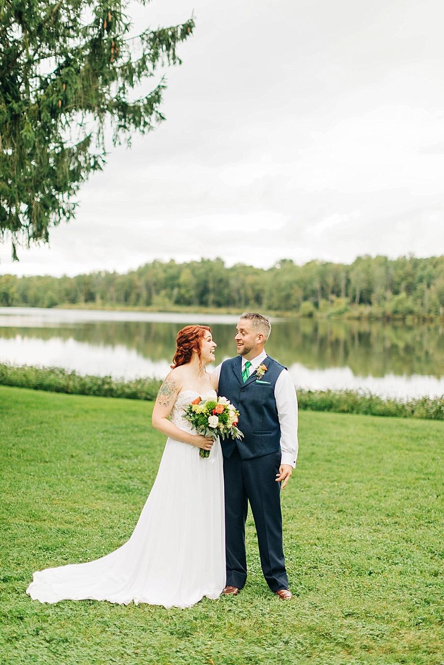 senecaryanco-pennsylvania-wedding-photographer-scranton-barnatglisteningpond_0742.jpg