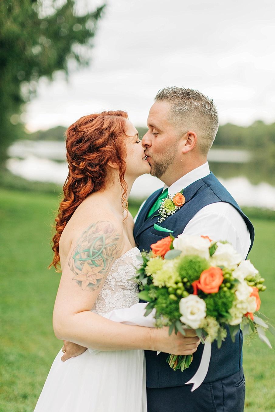 senecaryanco-pennsylvania-wedding-photographer-scranton-barnatglisteningpond_0744.jpg