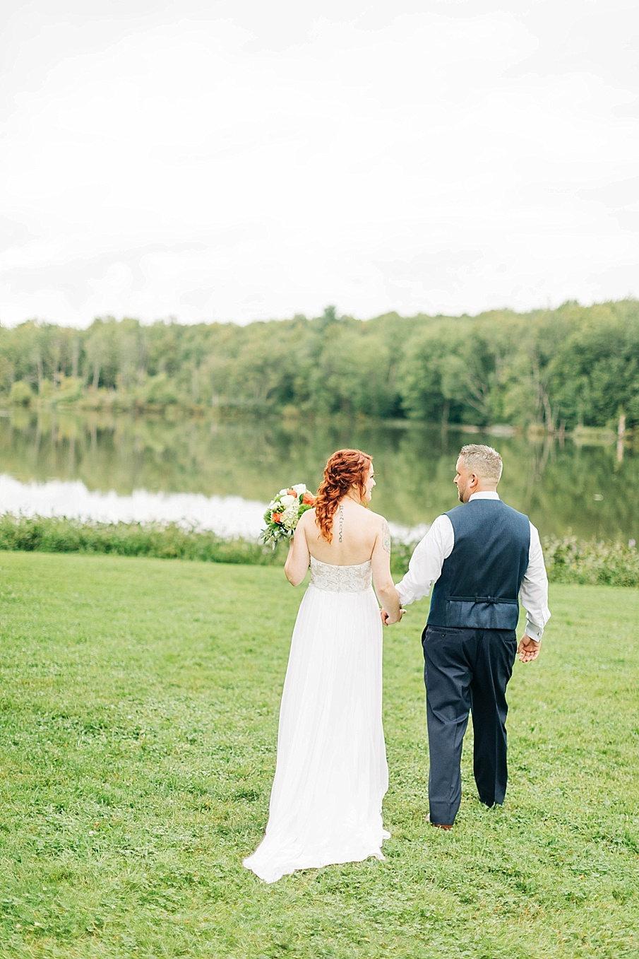 senecaryanco-pennsylvania-wedding-photographer-scranton-barnatglisteningpond_0745.jpg