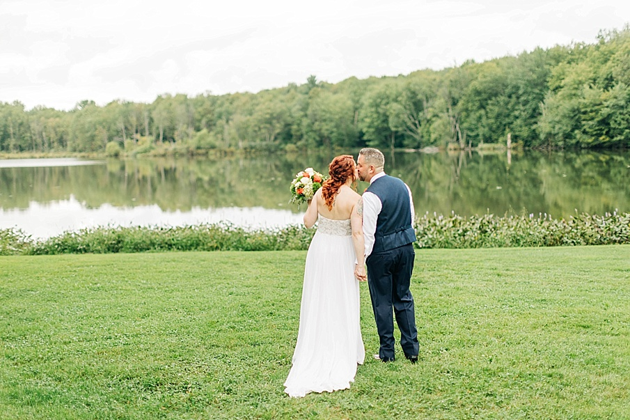 senecaryanco-pennsylvania-wedding-photographer-scranton-barnatglisteningpond_0746.jpg