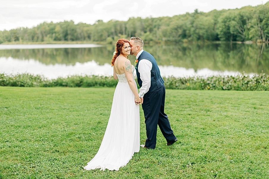 senecaryanco-pennsylvania-wedding-photographer-scranton-barnatglisteningpond_0747.jpg