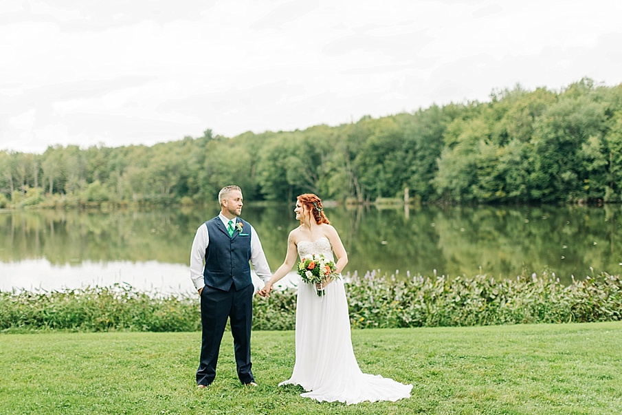 senecaryanco-pennsylvania-wedding-photographer-scranton-barnatglisteningpond_0750.jpg