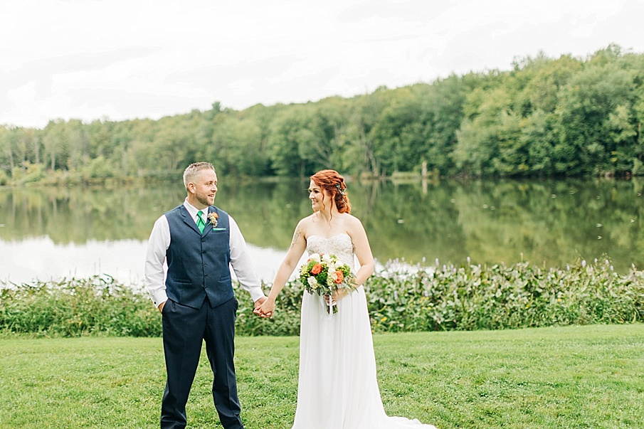 senecaryanco-pennsylvania-wedding-photographer-scranton-barnatglisteningpond_0751.jpg