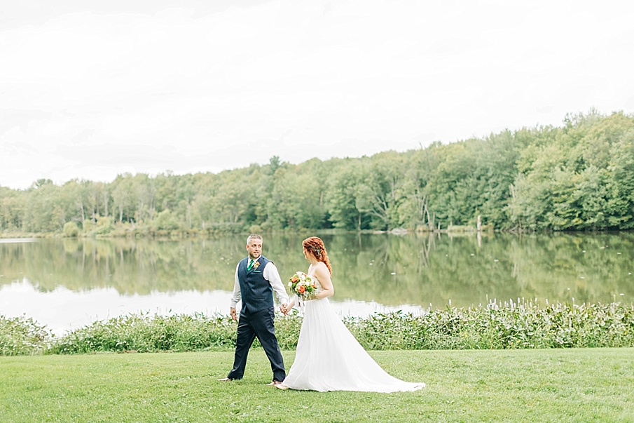 senecaryanco-pennsylvania-wedding-photographer-scranton-barnatglisteningpond_0761.jpg