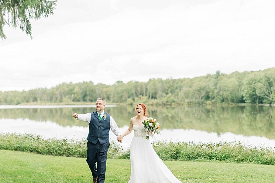 senecaryanco-pennsylvania-wedding-photographer-scranton-barnatglisteningpond_0762.jpg