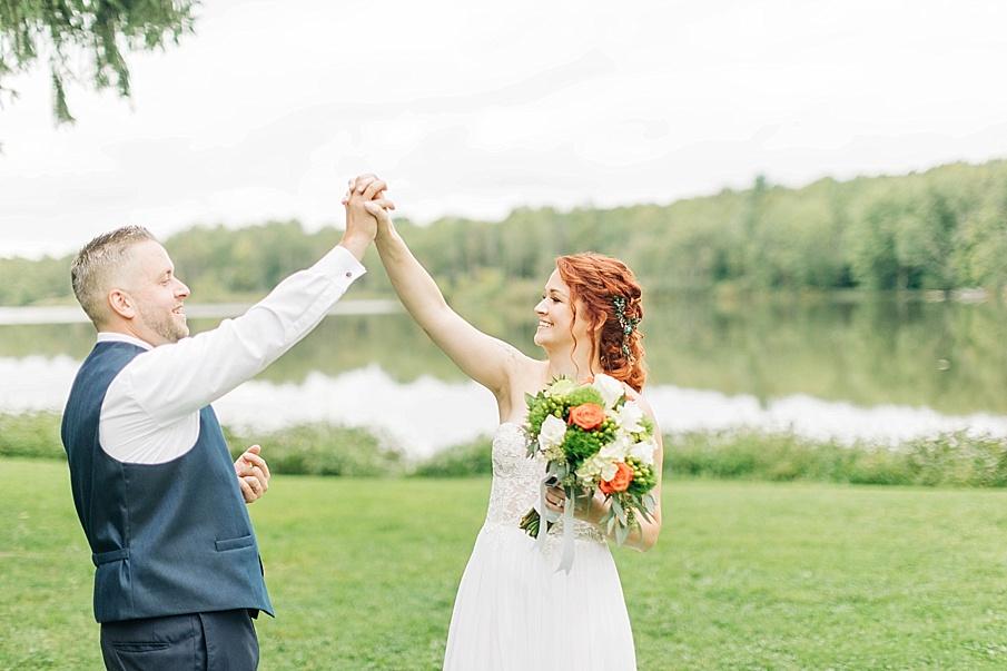 senecaryanco-pennsylvania-wedding-photographer-scranton-barnatglisteningpond_0764.jpg