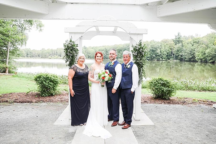 senecaryanco-pennsylvania-wedding-photographer-scranton-barnatglisteningpond_0773.jpg