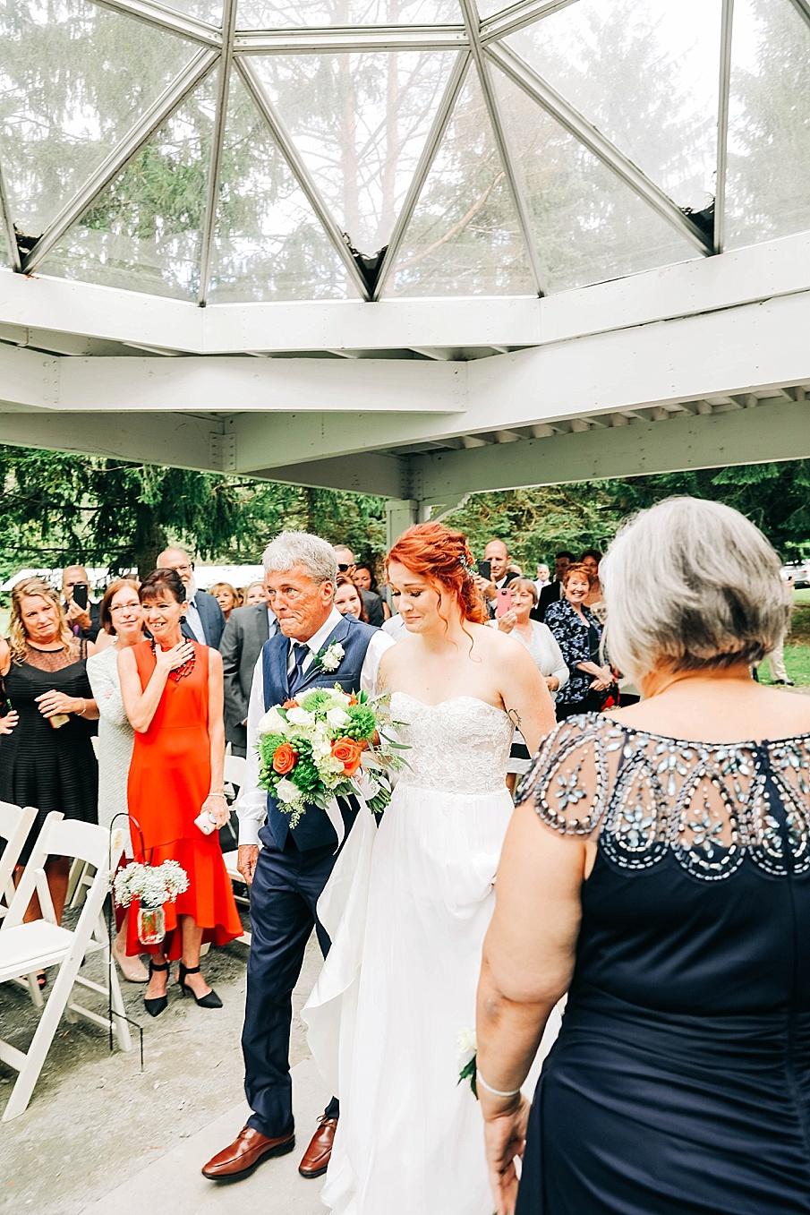 senecaryanco-pennsylvania-wedding-photographer-scranton-barnatglisteningpond_0772.jpg