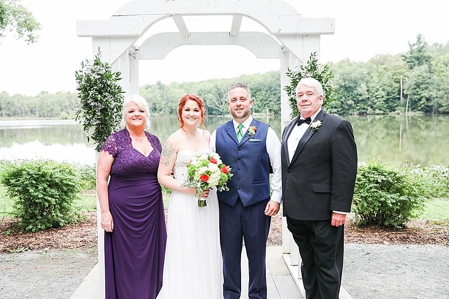 senecaryanco-pennsylvania-wedding-photographer-scranton-barnatglisteningpond_0777.jpg