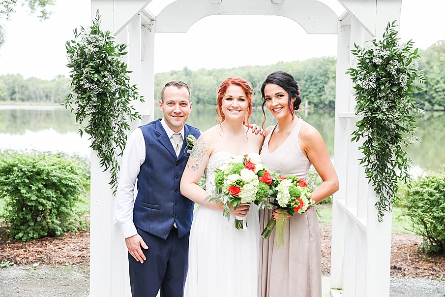 senecaryanco-pennsylvania-wedding-photographer-scranton-barnatglisteningpond_0778.jpg