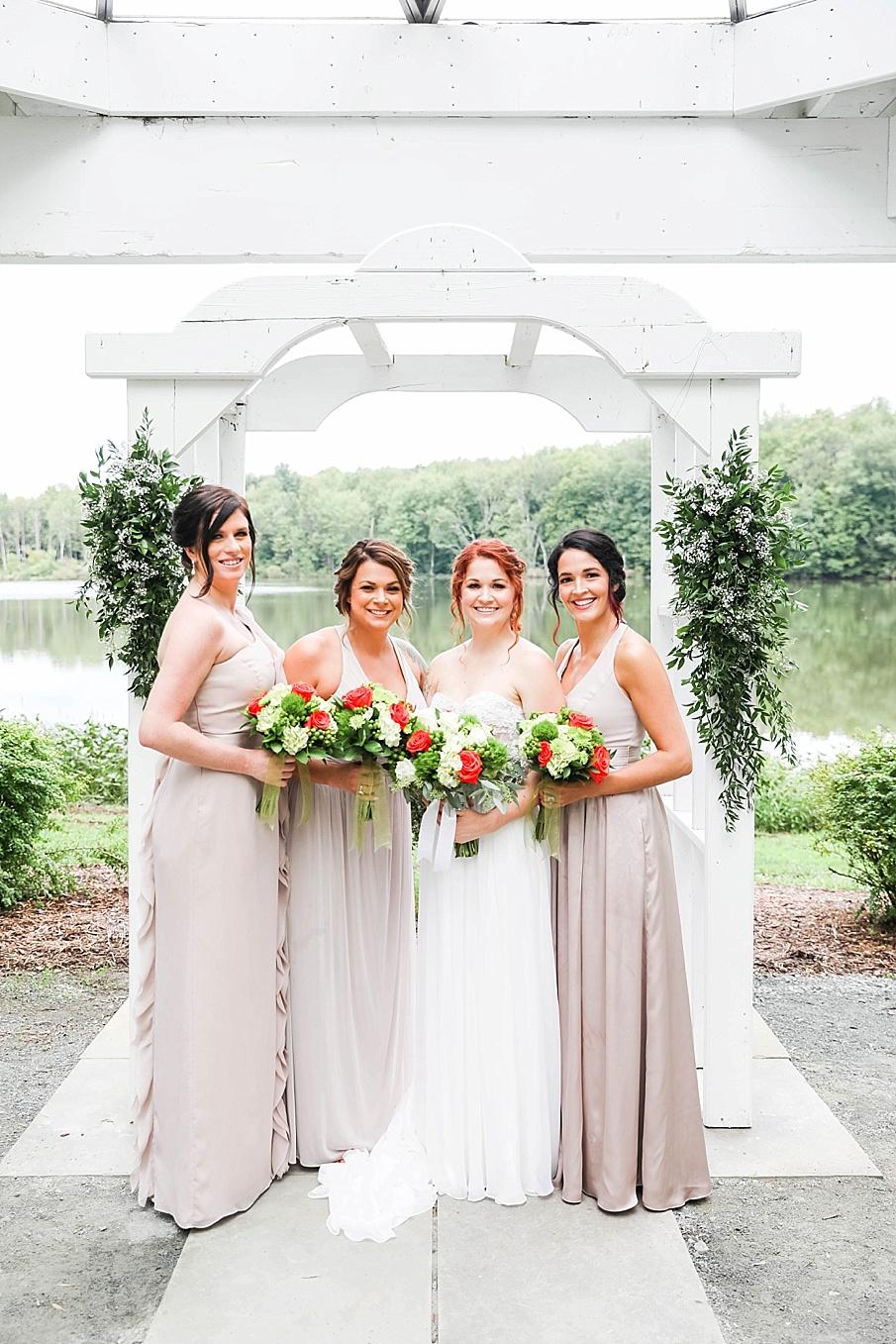 senecaryanco-pennsylvania-wedding-photographer-scranton-barnatglisteningpond_0779.jpg