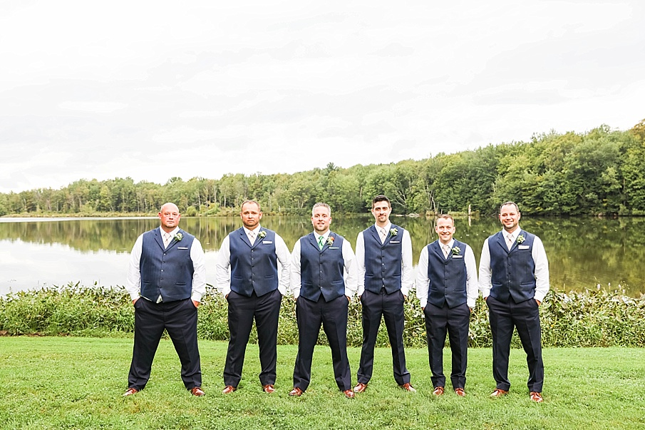 senecaryanco-pennsylvania-wedding-photographer-scranton-barnatglisteningpond_0782.jpg