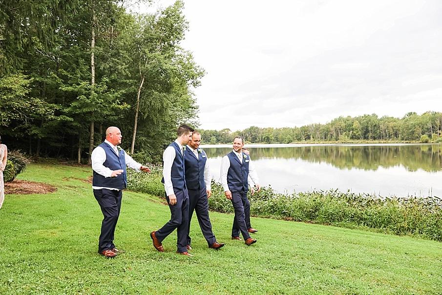 senecaryanco-pennsylvania-wedding-photographer-scranton-barnatglisteningpond_0781.jpg