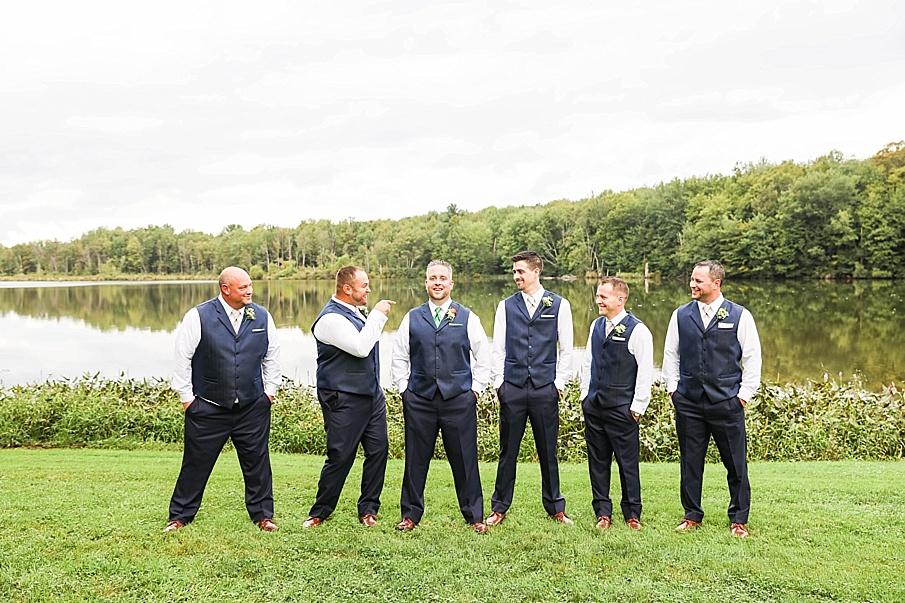 senecaryanco-pennsylvania-wedding-photographer-scranton-barnatglisteningpond_0783.jpg