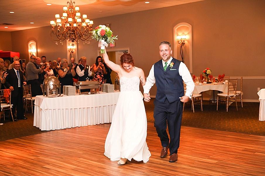 senecaryanco-pennsylvania-wedding-photographer-scranton-barnatglisteningpond_0795.jpg