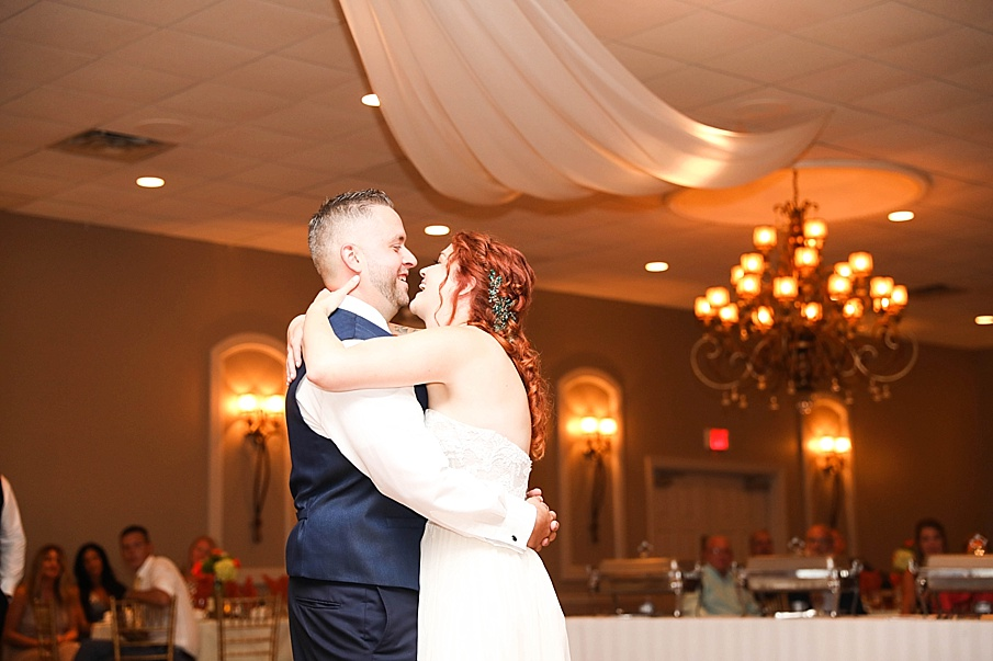 senecaryanco-pennsylvania-wedding-photographer-scranton-barnatglisteningpond_0798.jpg