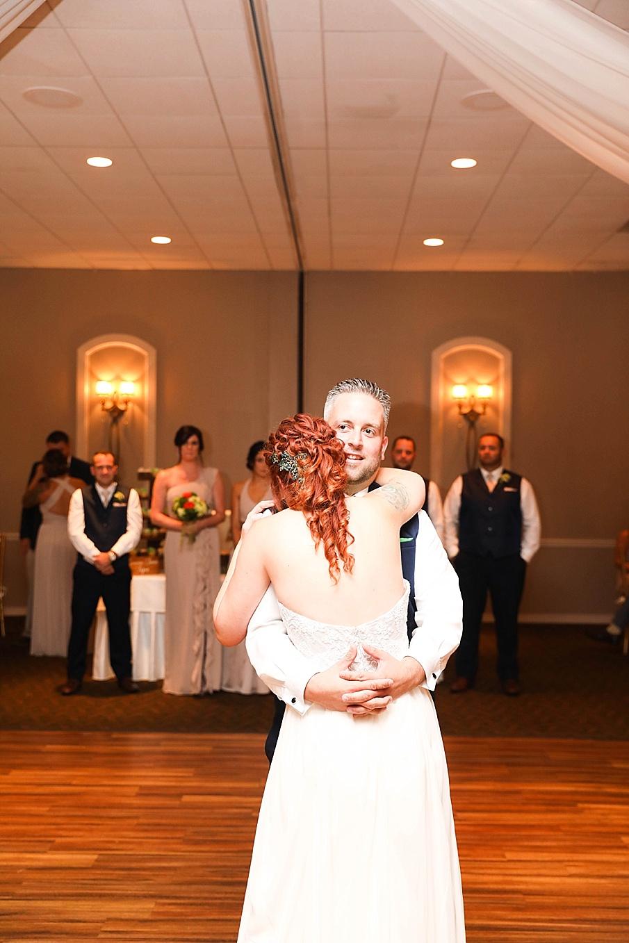 senecaryanco-pennsylvania-wedding-photographer-scranton-barnatglisteningpond_0797.jpg