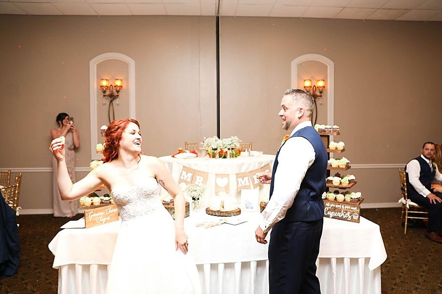 senecaryanco-pennsylvania-wedding-photographer-scranton-barnatglisteningpond_0805.jpg