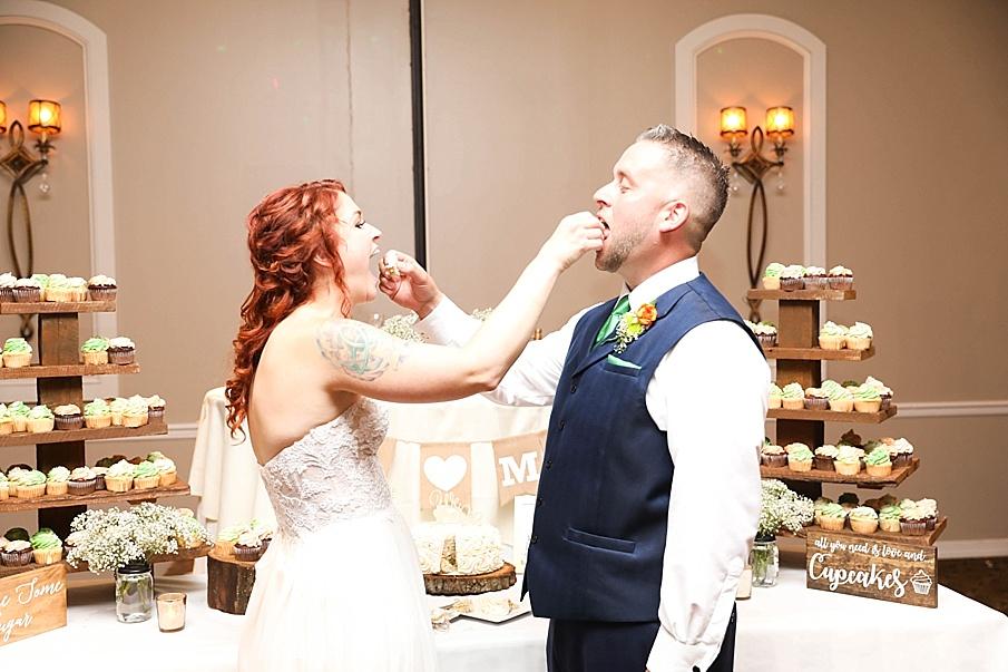 senecaryanco-pennsylvania-wedding-photographer-scranton-barnatglisteningpond_0806.jpg