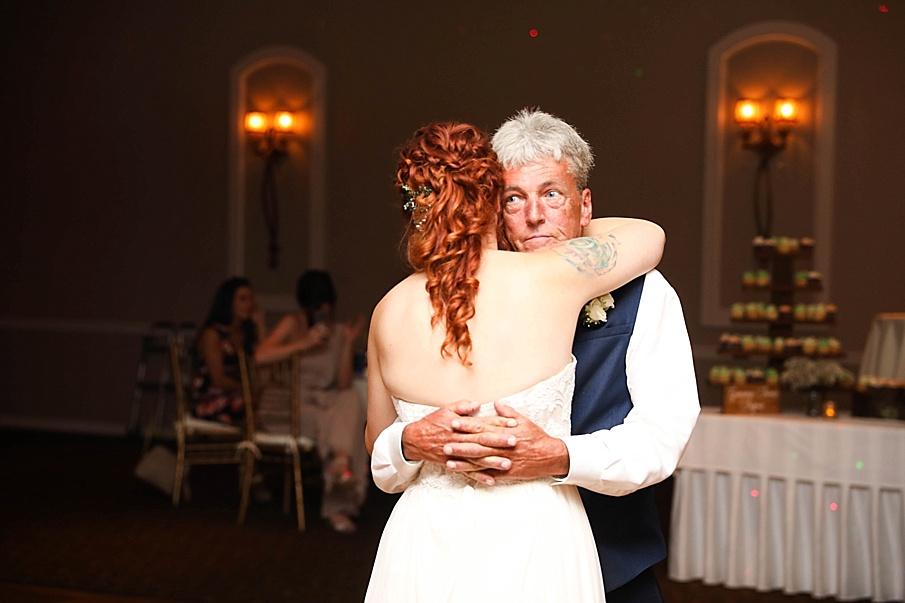 senecaryanco-pennsylvania-wedding-photographer-scranton-barnatglisteningpond_0807.jpg
