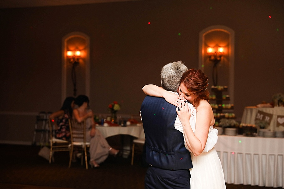 senecaryanco-pennsylvania-wedding-photographer-scranton-barnatglisteningpond_0810.jpg