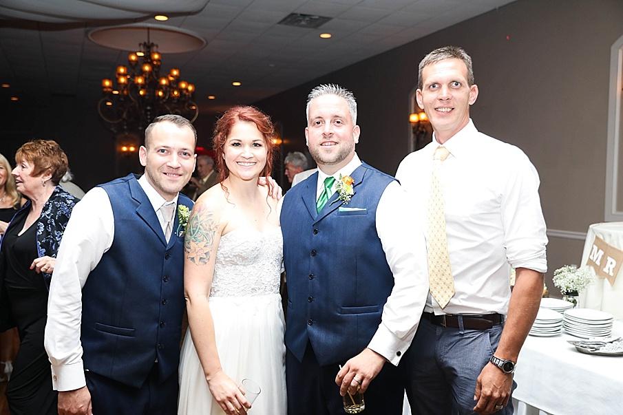 senecaryanco-pennsylvania-wedding-photographer-scranton-barnatglisteningpond_0815.jpg