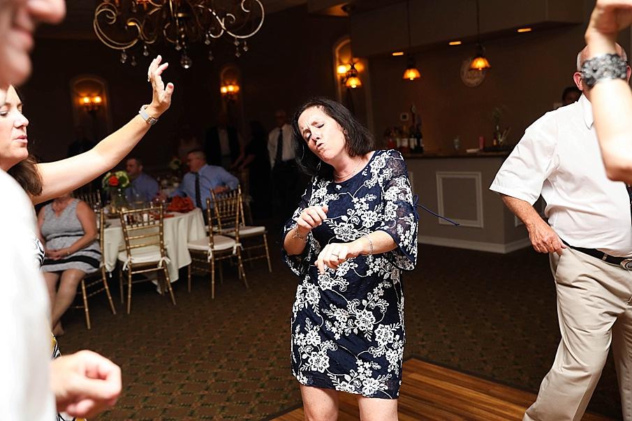 senecaryanco-pennsylvania-wedding-photographer-scranton-barnatglisteningpond_0824.jpg