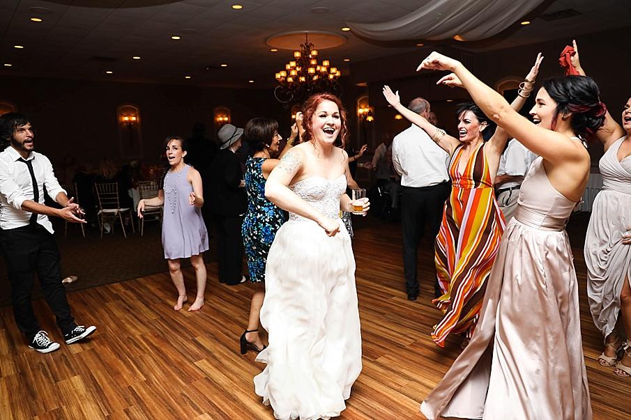 senecaryanco-pennsylvania-wedding-photographer-scranton-barnatglisteningpond_0825.jpg