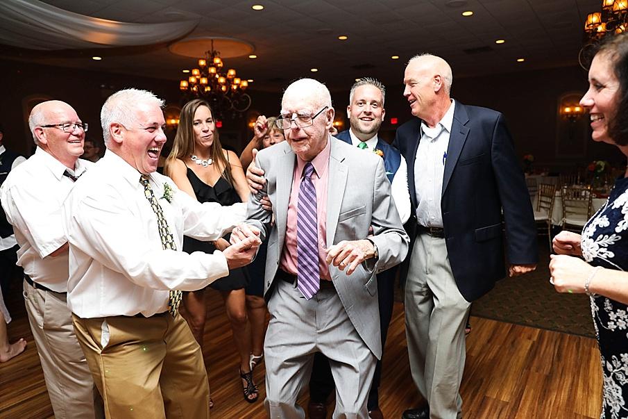 senecaryanco-pennsylvania-wedding-photographer-scranton-barnatglisteningpond_0826.jpg