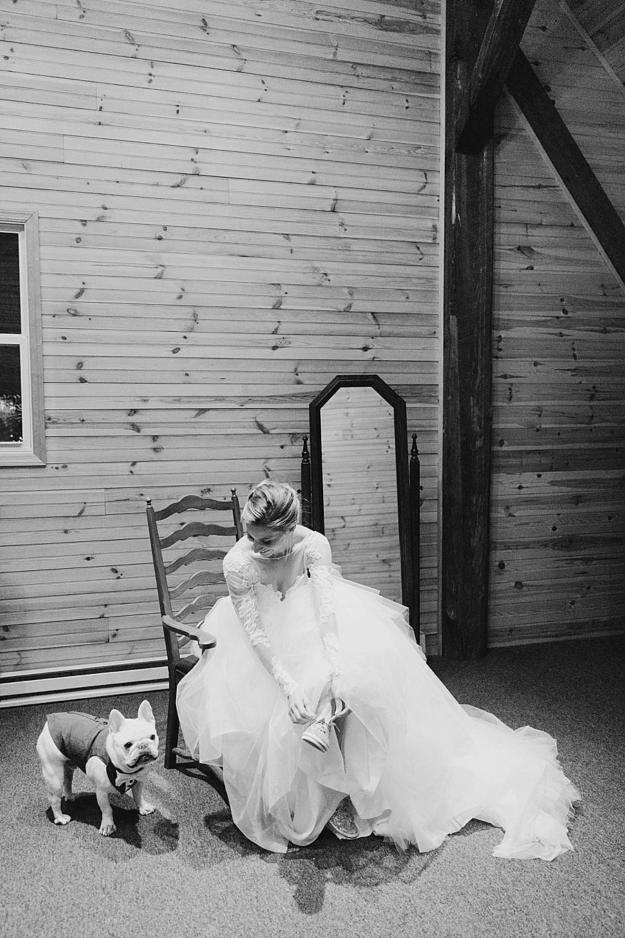 senecaryanco-pennsylvania-wedding-photographer-scranton-barnatglisteningpond_0839.jpg