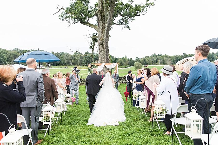 senecaryanco-pennsylvania-wedding-photographer-scranton-barnatglisteningpond_0843.jpg