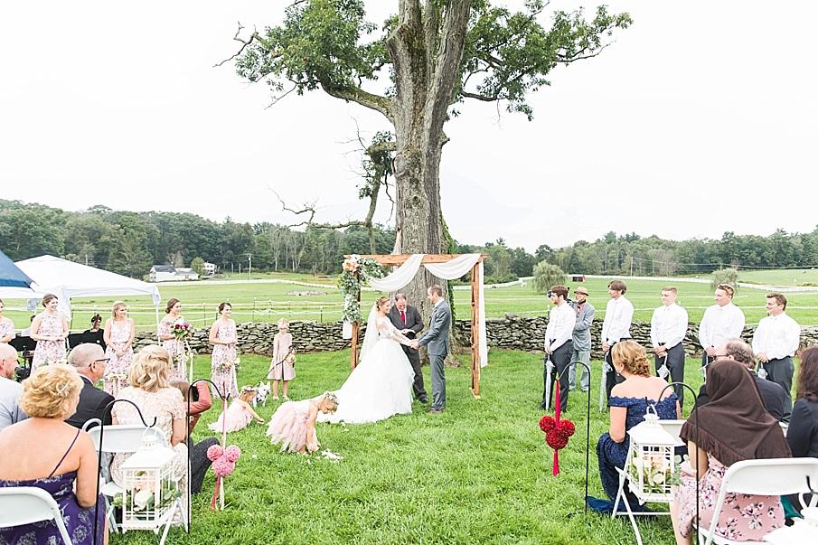 senecaryanco-pennsylvania-wedding-photographer-scranton-barnatglisteningpond_0845.jpg