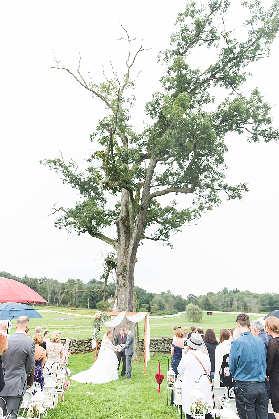 senecaryanco-pennsylvania-wedding-photographer-scranton-barnatglisteningpond_0844.jpg