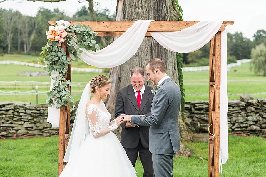 senecaryanco-pennsylvania-wedding-photographer-scranton-barnatglisteningpond_0847.jpg