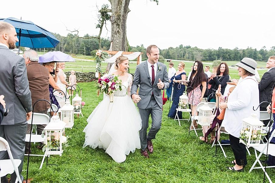 senecaryanco-pennsylvania-wedding-photographer-scranton-barnatglisteningpond_0850.jpg