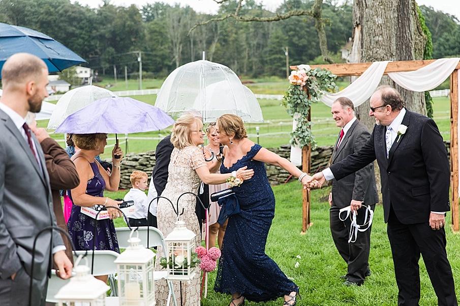 senecaryanco-pennsylvania-wedding-photographer-scranton-barnatglisteningpond_0851.jpg