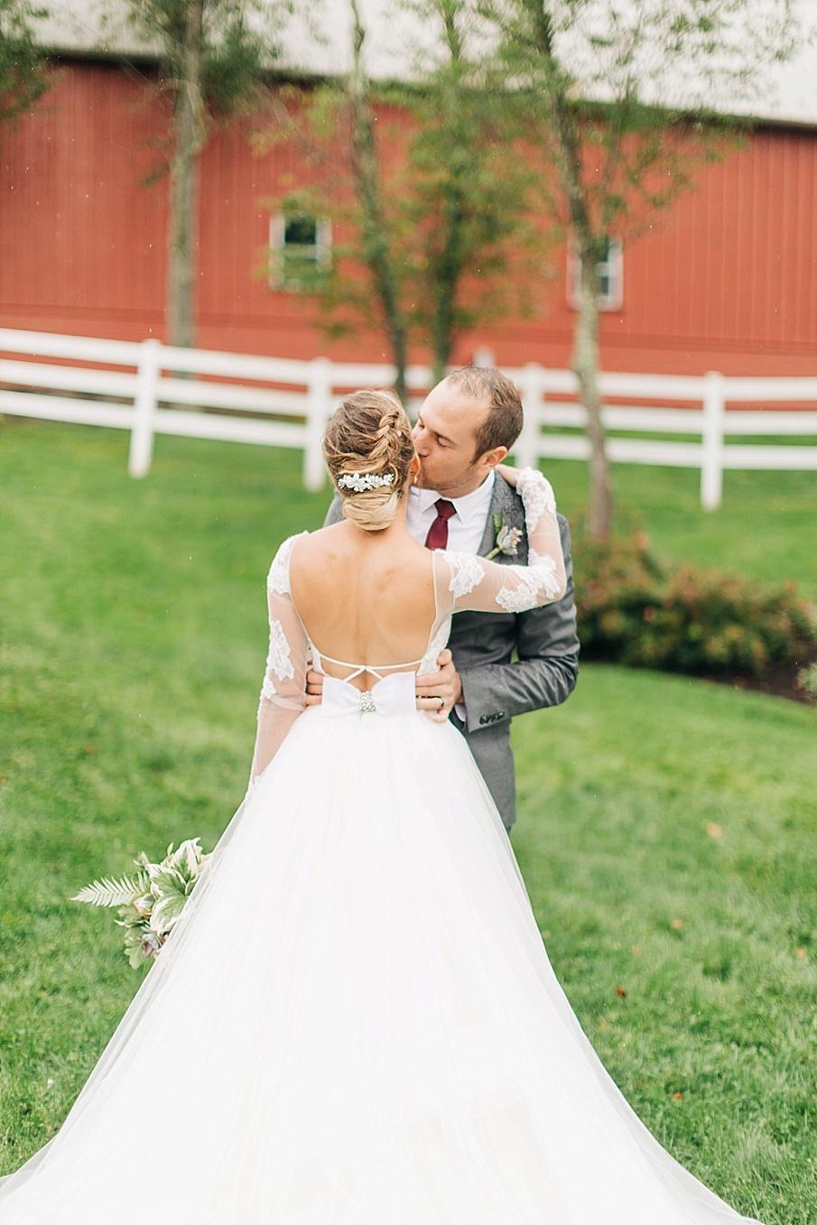 senecaryanco-pennsylvania-wedding-photographer-scranton-friedmanfarms_0069.jpg